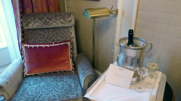 Starwood Gold Status Benefits - Great bottle of Champagne & River View Upgrade