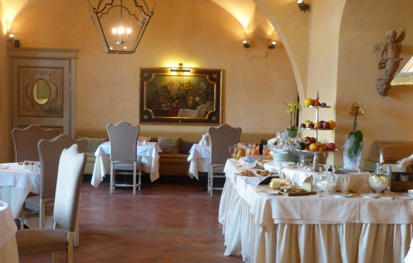 Castello del Nero: La Torre Breakfast Buffet