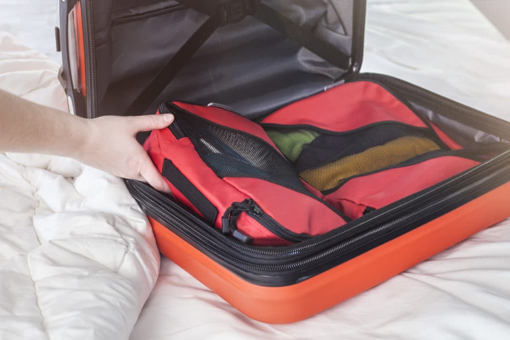 how do packing cubes work with carry on bags