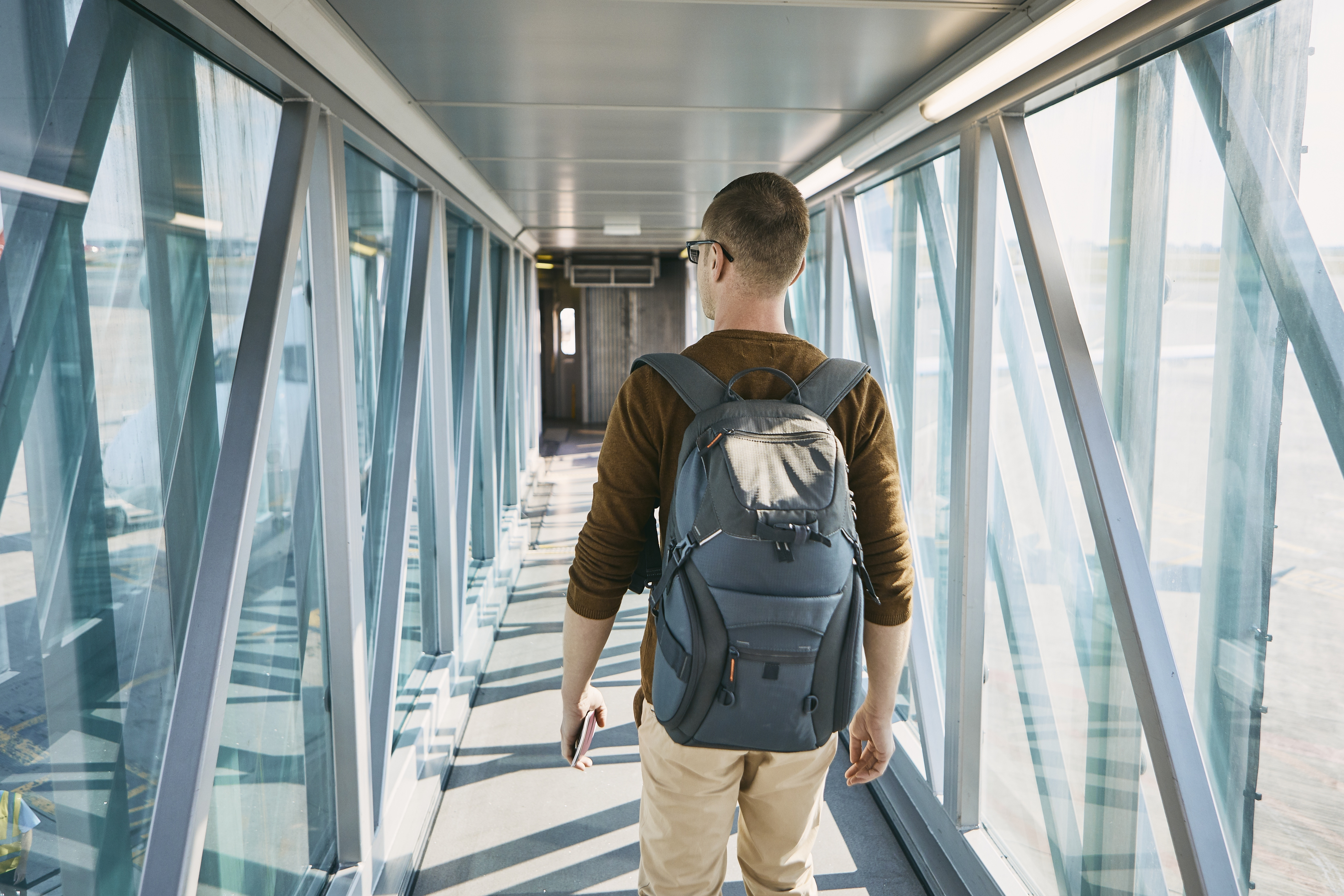 5 Tips to Travel with Just One Bag