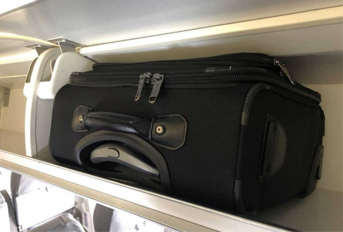 CRJ 200 Carry on bag fits in Overheard compartment
