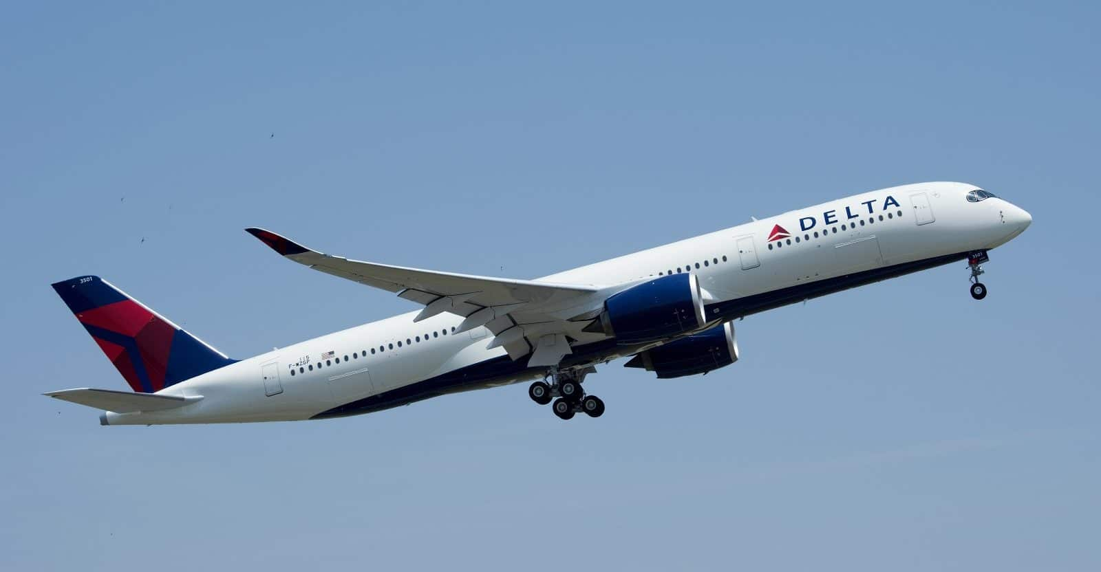 Guide to Delta Airlines & SkyMiles (2021)