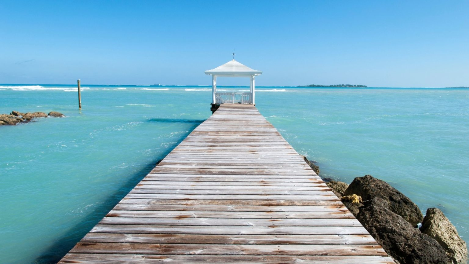 Do You Need a Passport to go to the Bahamas from the U.S.? 1